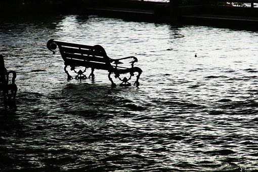 flood-989081__340.jpg