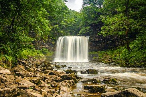 waterfall-2090886__340