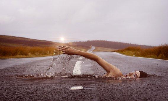 swimmer-1678307__340