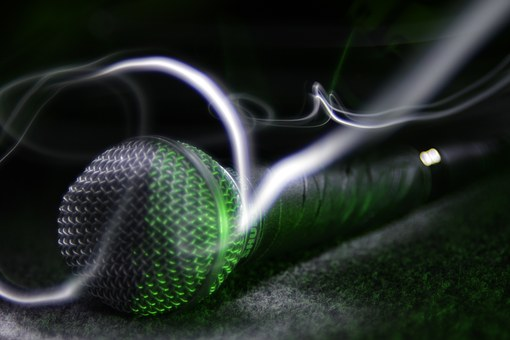 microphone-1269638__340